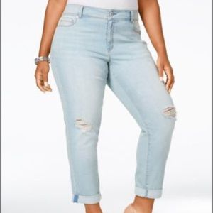 American Rag Girlfriend Fit Cropped Jeans
